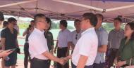 广西东兴进境水果指定口岸首次迎来越南集装箱车整车入境