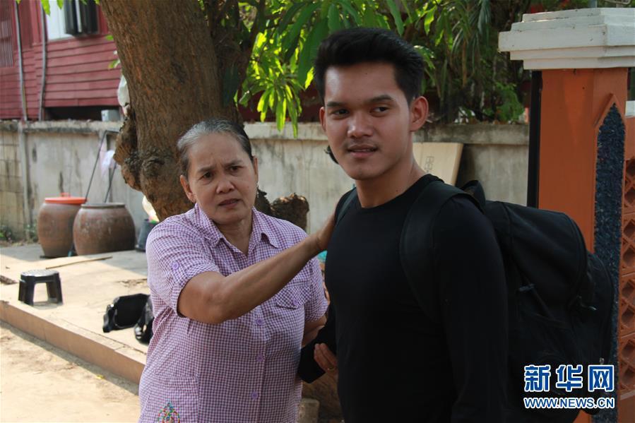 """(国际·""""一带一路""""高峰论坛·图文互动)(3)通讯:泰国青年阿努帕的火车司机梦"""