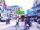 """缅甸战火使木姐市民生活大受影响 """"怕是怕,但还得工作"""""""