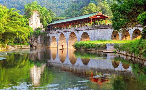 桂林市最大的综合性公园――七星