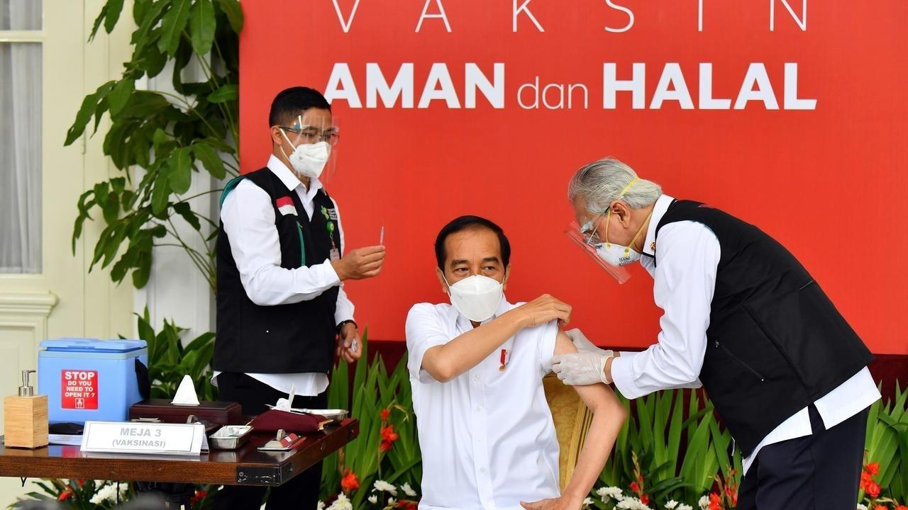 印尼总统佐科第一个接种中国疫苗