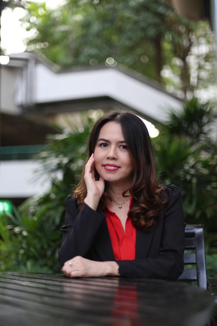 说明: 泰国法政大学阿顺诗•帕尼察叁副教授