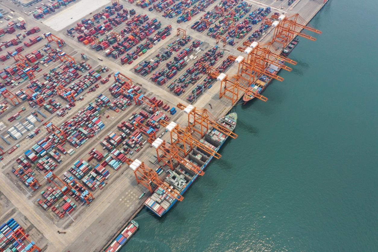 说明: 钦州港航道不断扩建,为开通更多国际远洋班轮航线创造条件