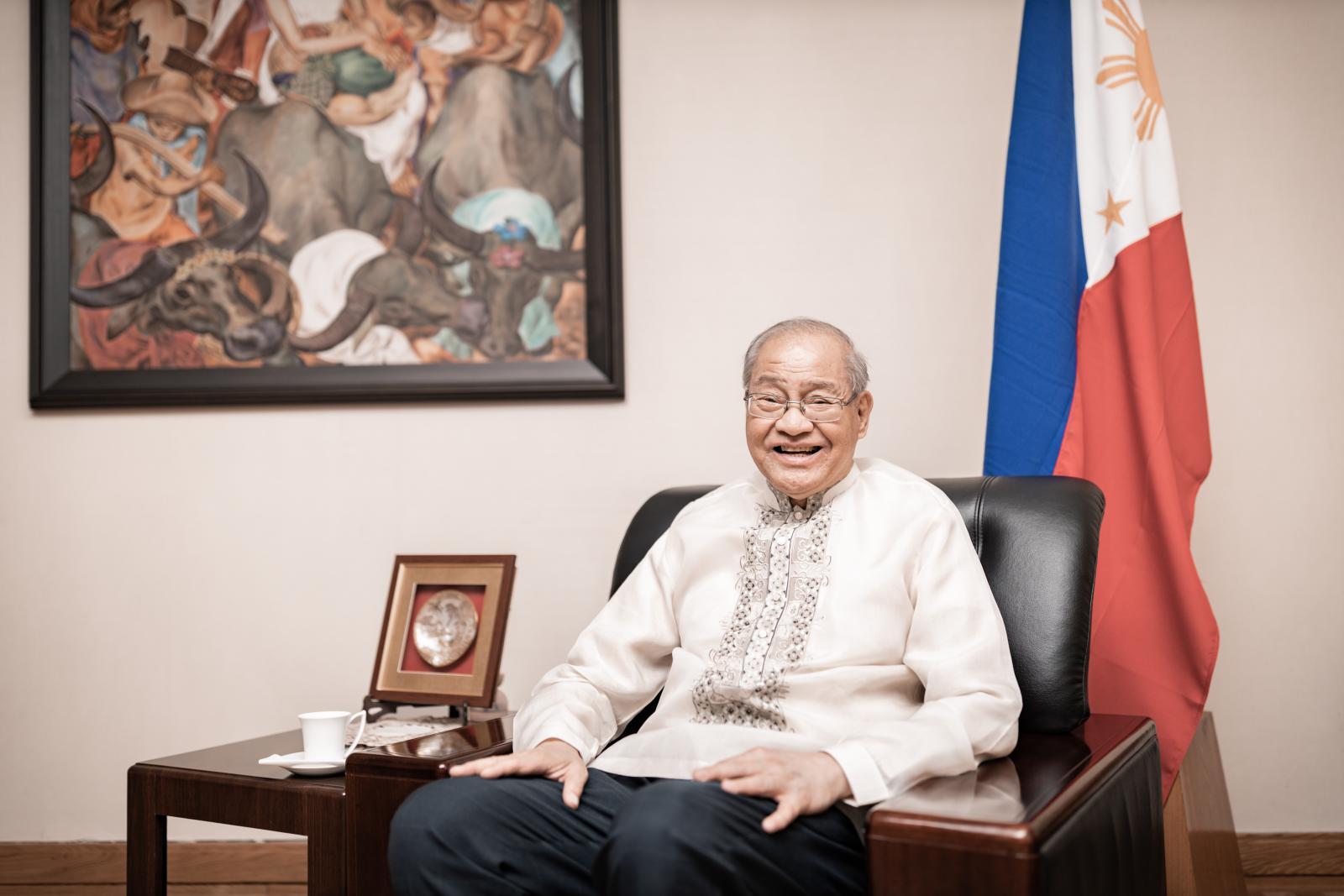 菲律宾共和国驻华大使何塞·圣地亚哥·罗马纳阁下(摄影 陈宇)